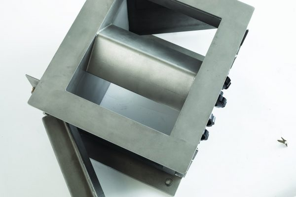 Bunting-Plate-Housing-Magnet