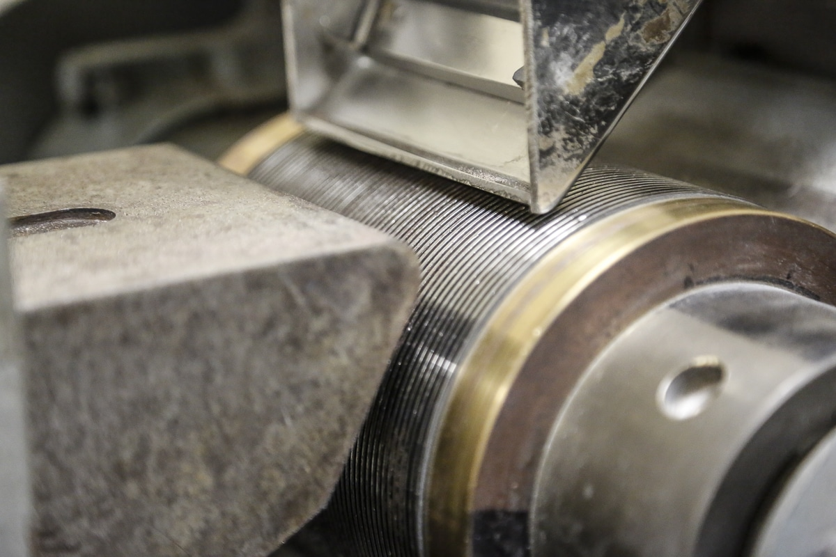 Master magnets Induced magnetic roll separator
