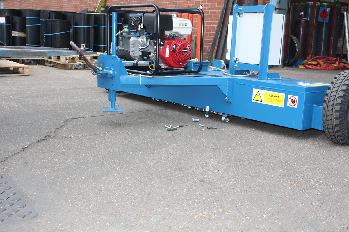 Bunting_Electromagnet-Forklift-Sweeper