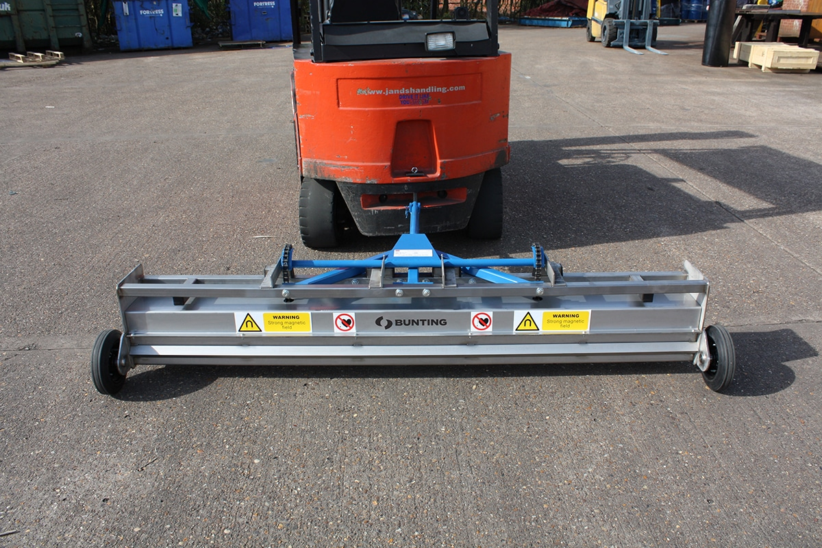 Bunting_Towable-Forklift-Sweeper
